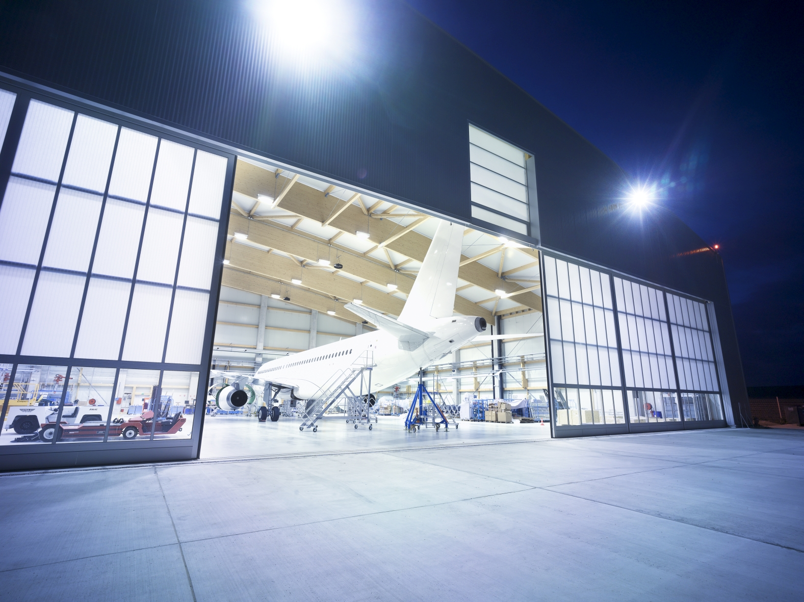 Airport suppliers press release butzbach gmbh hangar